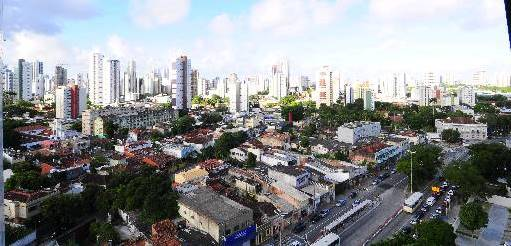 Uma incorporadora que j� come�ou a investir na Caxang� � a Pernambuco Construtora, que lan�a no Cordeiro um residencial da linha Prince (Arthur de Souza/Esp. DP/DA Press)