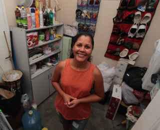 Patrícia Santos não utiliza o quarto para funcionários e adpatou o espaço para servir de despensa  - ROBERTO RAMOS/DP/D.A PRESS