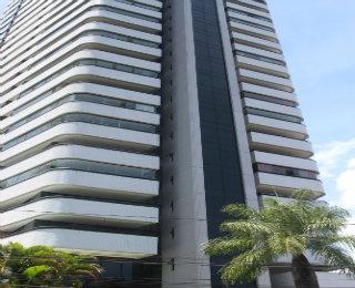 Estrutura do prédio necessita de atenção, devido à exposição à Sol e à chuva - Julio Jacobina/DP