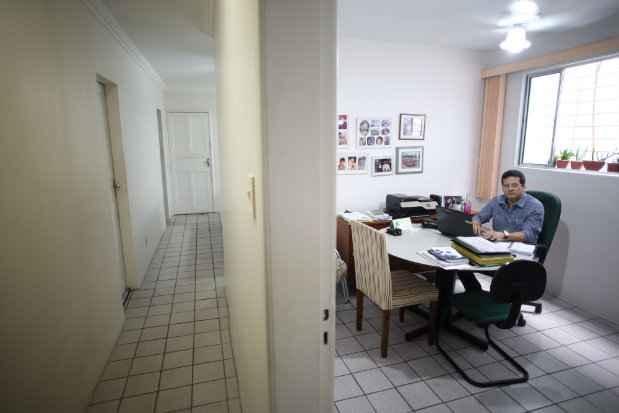 O espaço doméstico foi o lugar escolhido para Jalisson abrir seu escritório - Hesíodo Goés/Esp. DP