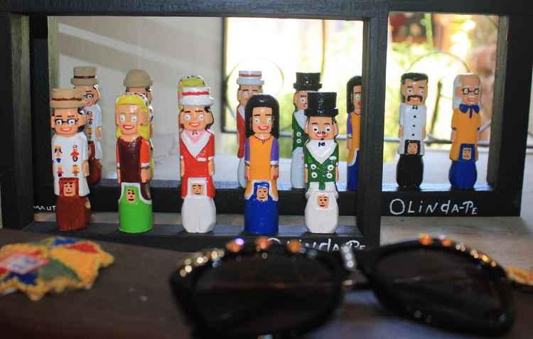 Acessórios e objetos podem ser adquiridos em lojas de artesanato ou ainda em magazines.  - Marlon Diego/Esp. DP