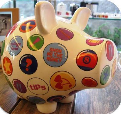 Além de item decorativo, os cofrinhos também vão ajudar na educação financeira das crianças - CasaTua Presentes / Divulgação