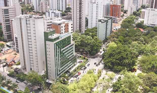 Bairro é preferido por quem tem ligações com a região e aprecia área verde, segundo o mercado - Bairro é preferido por quem tem ligações com a região e aprecia área verde, segundo o mercado (JÚLIO JACOBINA/DP/D.A PRESS)