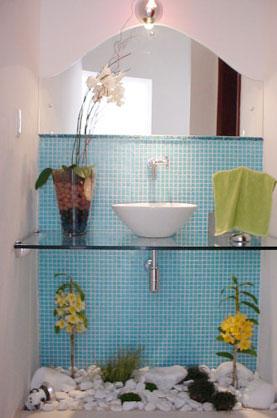 Nos espaços pequenos os minimalismos também encantam - Nos espaços pequenos os minimalismos também encantam (Reprodução Internet/Blog Construindo Minha Casa Clean)