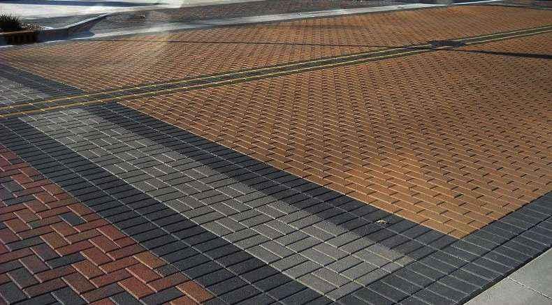 O piso intertravado é uma solução para ambientes externos e de estacionamento - O piso intertravado é uma solução para ambientes externos e de estacionamento (Reprodução/Internet)