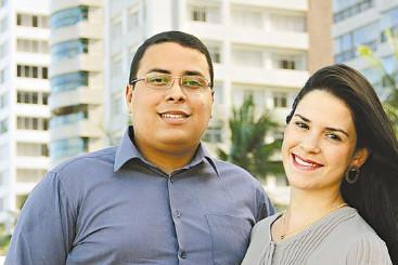 Waldones e sua noiva Marcela procuram moradia nos bairros de Candeias e Piedade - Waldones e sua noiva Marcela procuram moradia nos bairros de Candeias e Piedade (DEBORA ROSA/ESP.DP/D.A PRESS)