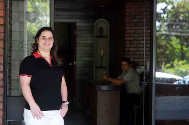 Para Teresa, é necessário bom senso para se adaptar às regras do condomínio - Julio Jacobina/DP/D.A Press