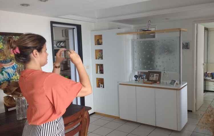 Carolina Fink fotografou o apartamento para cotar com o especialista, antes de anunciar - Alexandre Fink / Divulgação
